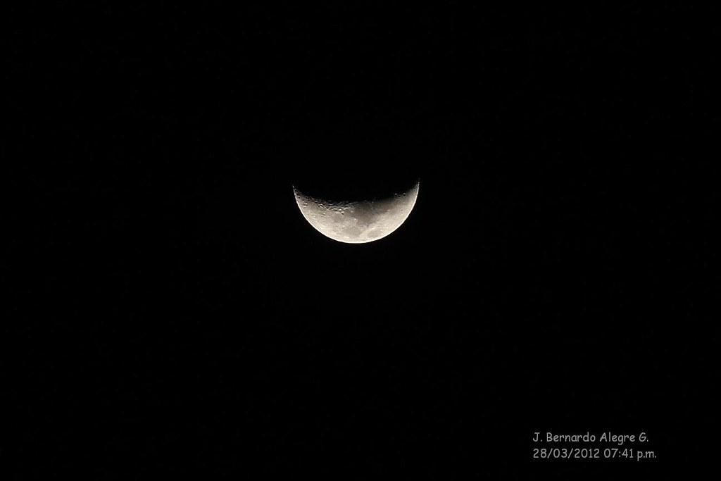 Luna en cuarto creciente | J. Bernardo Alegre | Flickr