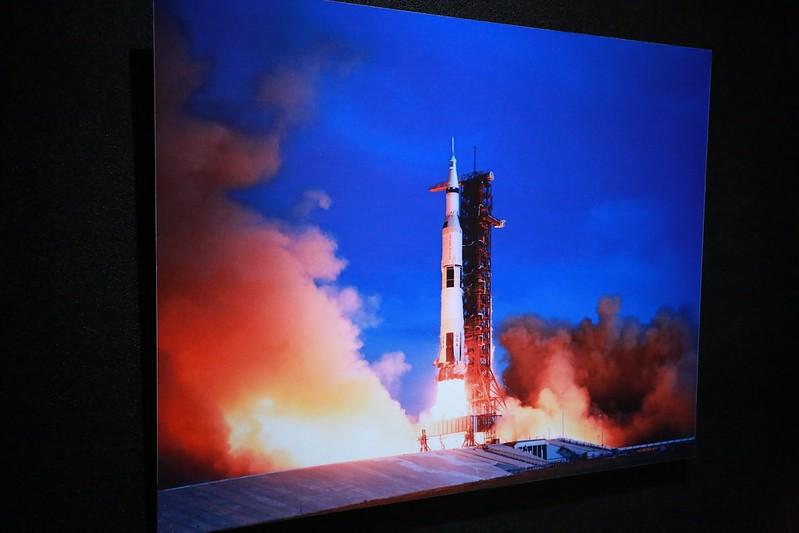 發射火箭的照片