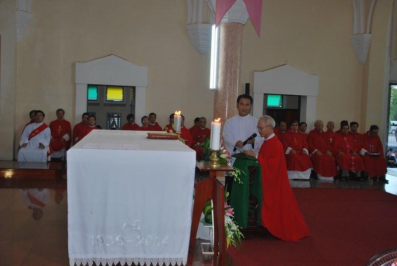 Mừng lễ hai thánh Phêrô - Phaolô và bổ nhiệm cha Tổng đại diện giáo phận Qui nhơn
