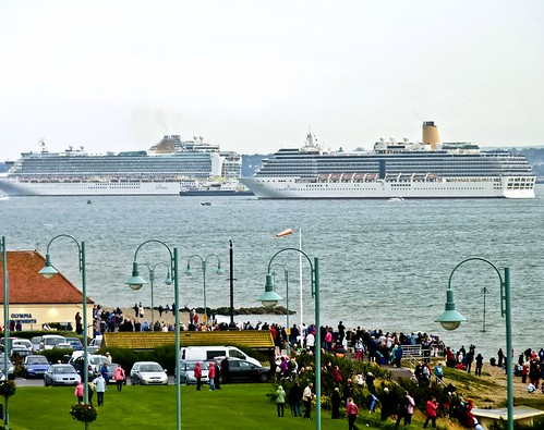 P&O's 175th Anniversary Evening Sailaway (Azura and Arcadia passing by Patricia) | by Delboy1940Essex (Still trying to catch up)