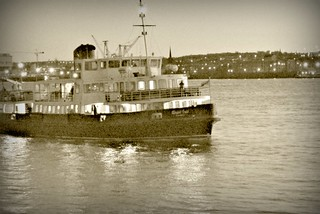 Evening crossing - The 'Royal Iris' heads for Seacombe, March 2012 | by ronramstew