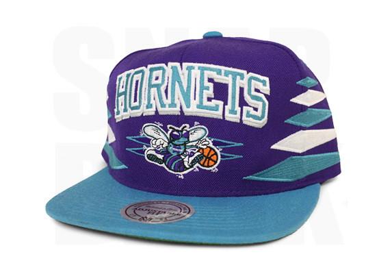 9bcf23b92a0 ... Charlotte Hornets Diamond Snapback Hat White NBA Mitchell Ness