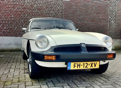 MG MGB Roadster -> SOLD <- Old English White | by iBSSR who loves comments on his images