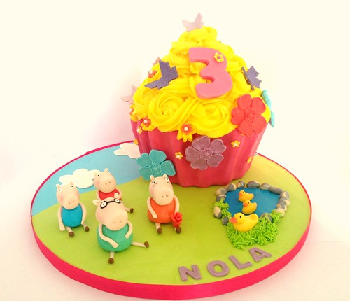 Peppa Pig Giant Cupcake | by Heavenly-Cupcakes
