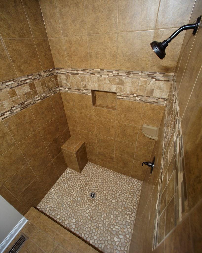 4\' Ceramic Tile Shower | Portage 3277 | Wayne Homes | Flickr