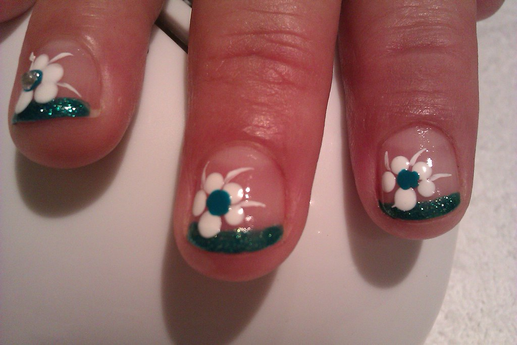 Glitter Tip Manicure with Dotting Tool Flower: Easy DIY Na… | Flickr