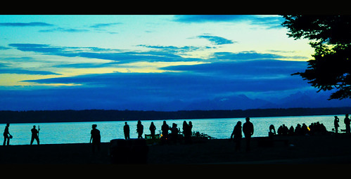 Beachgoers at Golden Garden Beach | by Jitabebe