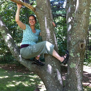 Pregnant lady in a tree | by Bettnet