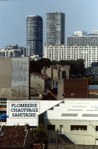 plomberie chauffage sanitaire buildings in ivry sur seine flickr. Black Bedroom Furniture Sets. Home Design Ideas