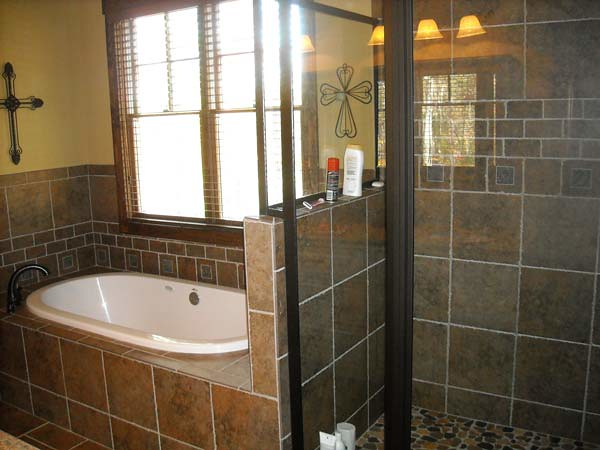 asheville-mountain-bathroom-bath-and-shower | Max Fulbright | Flickr