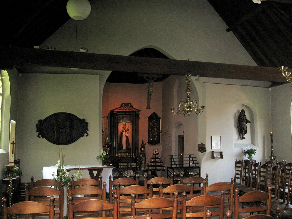 Tilburg Hasseltse kapel interieur | The interior of the very… | Flickr