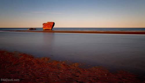 Shipwreck in the Irish Sea | by @PAkDocK / www.pakdock.com