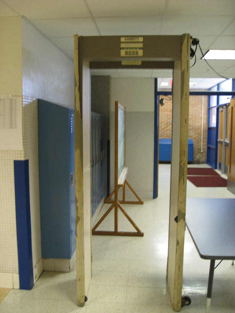 Security metal detector school - School Security Metal Detectors But Can They Stop A Gun From Coming In
