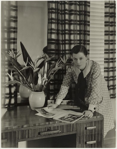Mrs Mollie Grey, interior decorator, Greenknowe Avenue, Potts Point, Sydney, ca. 1935/ photographer Harold Cazneaux | by State Library of New South Wales collection