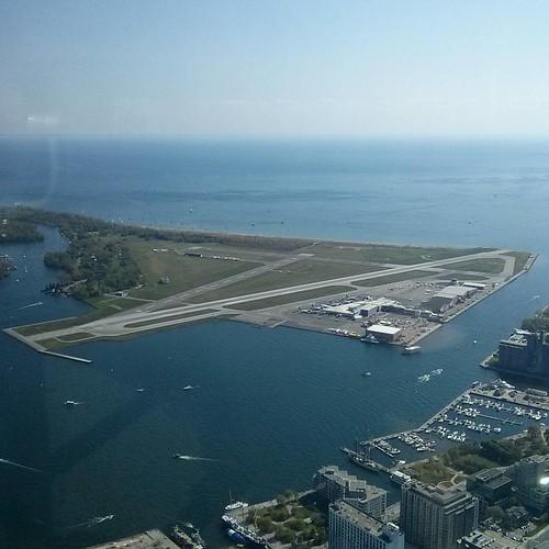 Toronto Island Airport #toronto #cntower #torontoislands #billybishopairport