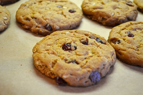 Peanut Butter Chocolate Chip Oatmeal Cherry Cookies with S ...