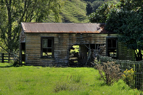 Old house, Marco, Whangamomona, Taranaki, New Zealand | by brian nz