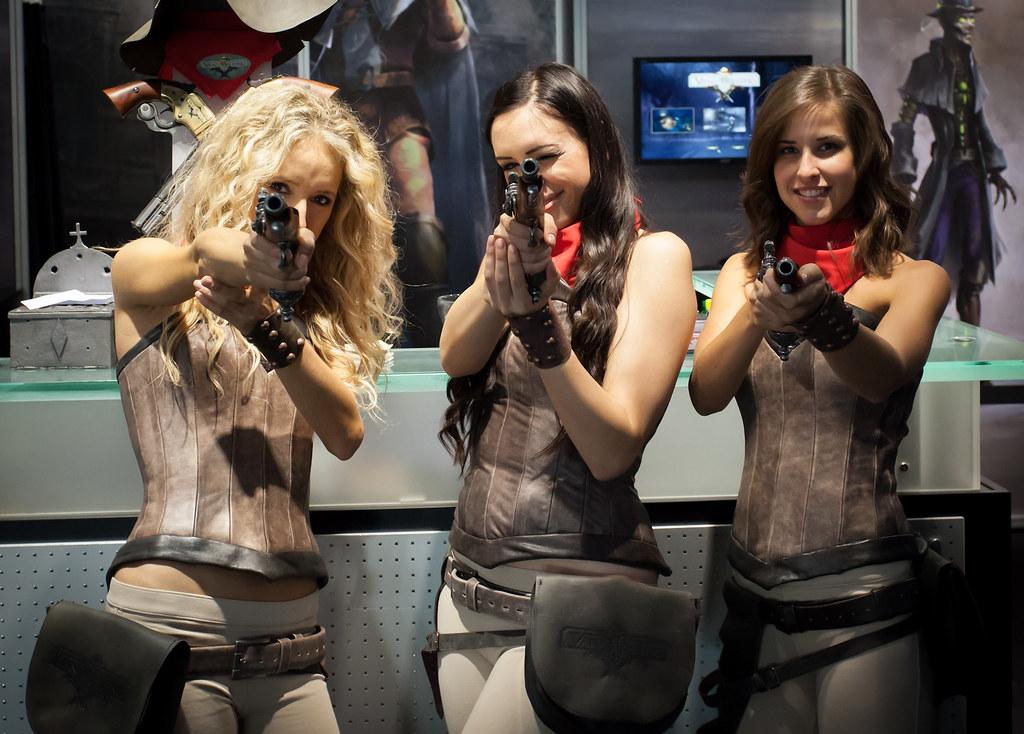 real-chicks-and-guns-big-black-teens