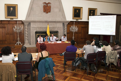 El canciller ricardo pati o ofrece una conferencia a los p for Ministerio relaciones exteriores ecuador
