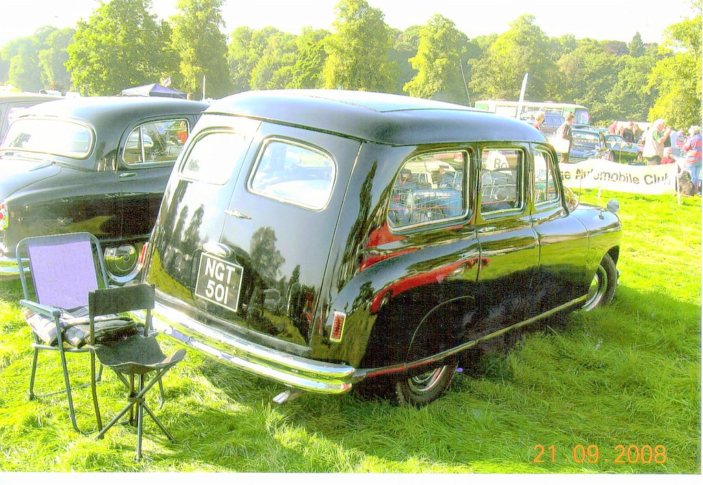 Cars 7. NGT 501. Standard Vanguard | Scone | Ronnie Cameron | Flickr
