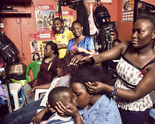 Margaret runs the Alpha & Omega Beauty Salon in the Gazaland Mall | by World Bank Photo Collection