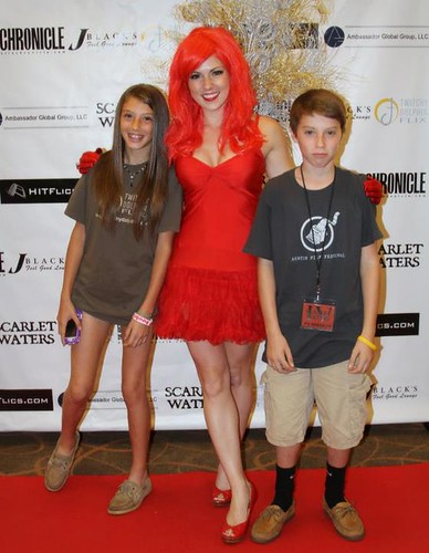 Natalie Wilemon & a friends at the 2011 Scarlet Waters Film Showcase | by gothicfilms