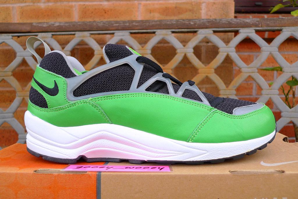... Nike Air Huarache Light x Stussy  Black   Acid (Green) - Medium Grey 56f5352b8