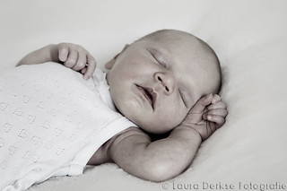 Newborn fotoshoot Kirsi | by Laura Derkse