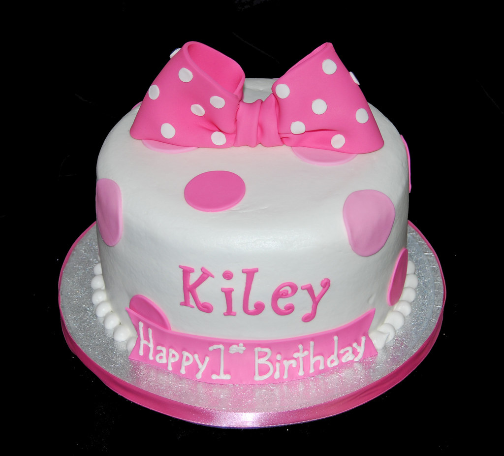 pink polka dot first birthday cake for a minnie mouse cele Flickr