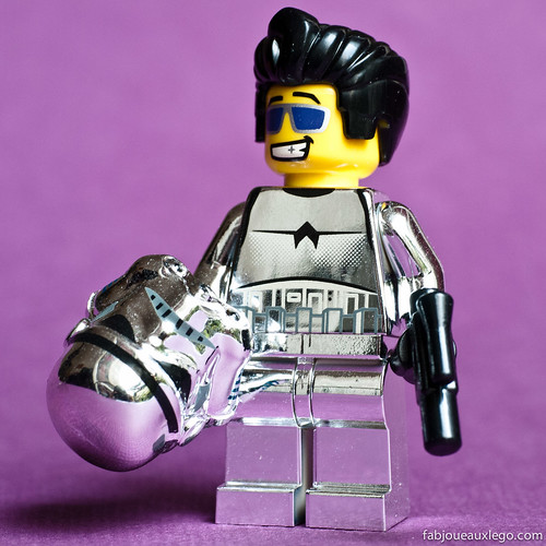 Chrome Stormtrooper without his Chrome Helmet | by Fab joue aux Lego