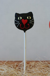 Black Cat Cake Pop | by Sweet Lauren Cakes
