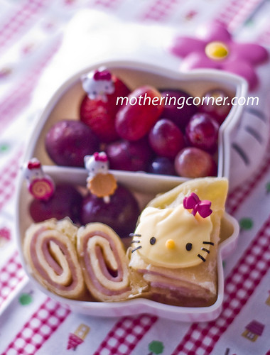 Hello Kitty and Roti Wrap bento copy | by shoppingmum