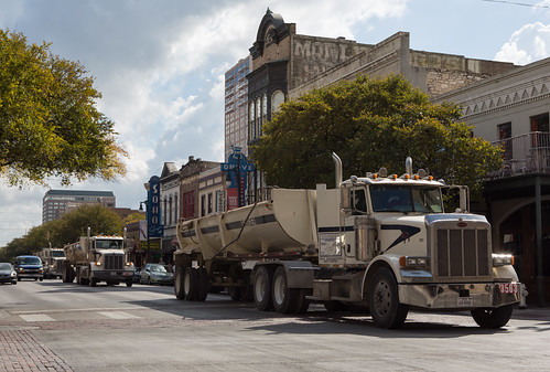 Three 18-wheelers on 6th Street | by Lars Plougmann