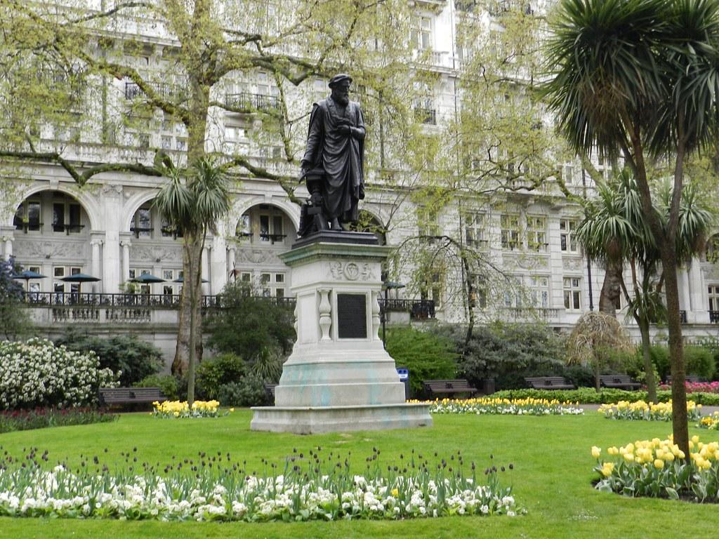 William Tyndale Statue Victoria Embankment Gardens Londo Flickr