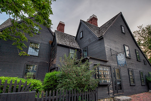 house of seven gables chapter 1 4 The house of seven gables (unabridged) audiobook, by nathaniel hawthorne the house of the seven gables is a fixture in salem - and seemingly fixed in time as the ancestral home of the pyncheon family, its current mistress is  download the house of seven gables audiobook  but towards the end it suddenly gets very interesting during a chapter when clifford goes on a rant about the impact that transportation and communications technology will have on the world and the.