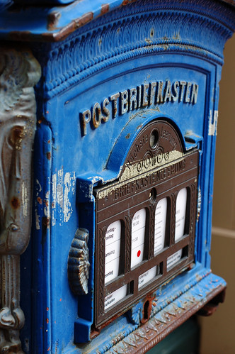 Postbriefkasten Royal / Royal mailbox | by Maxi Winter