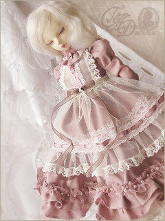 .powder pink. | by .daria. [the haunted dollhouse]