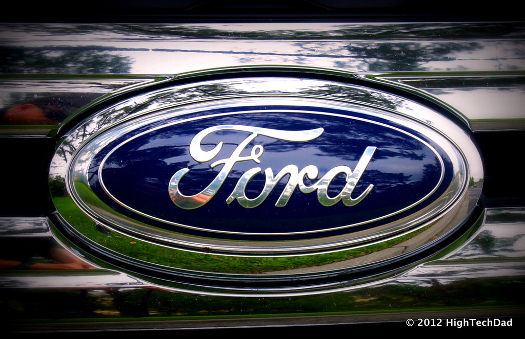 Front Ford Emblem  Ford Edge By Hightechdad