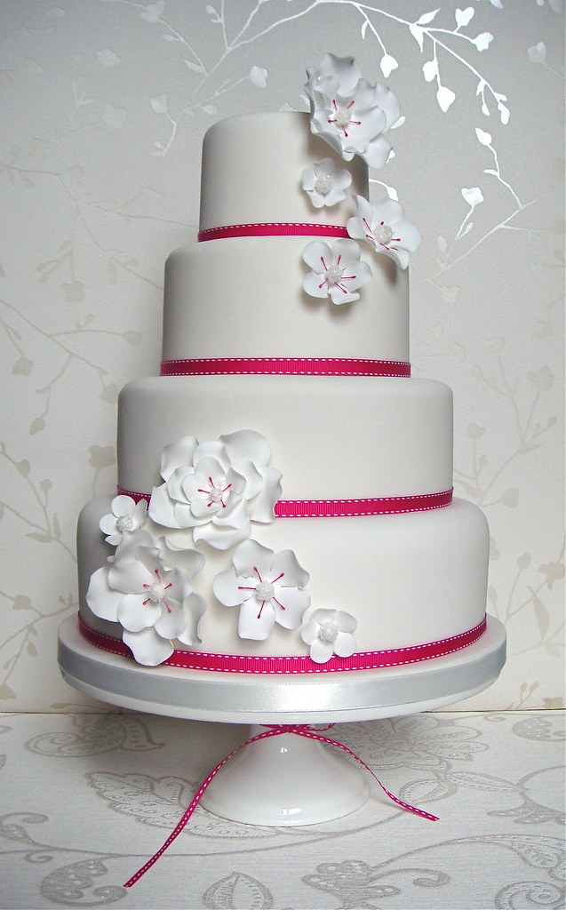 Hot pink & white wedding cake | Hot pink & white wedding cak… | Flickr