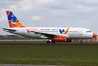 WindJet Airbus A319-132 EI-ECX AMS 21-04-12 | by Axel J. ✈ Aviation Photography