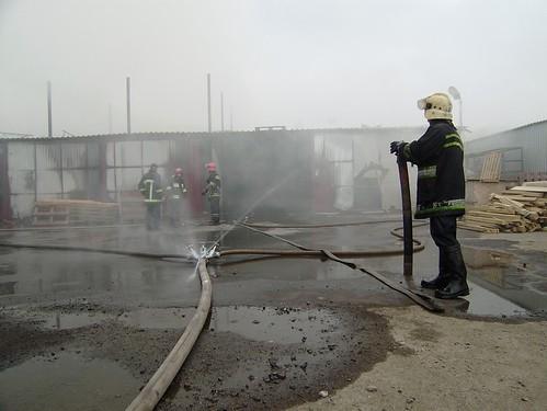 Пожежу в Рівному гасили півдня, оскільки вогонь охопив склади з деревиною площею 8тисячметрів квадратних