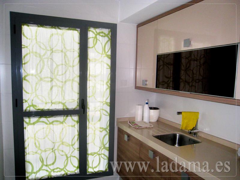 cortinas para cocina visillos y estores con tejidos coloridos y resistentes by la dama with estores cocina modernos - Estores Cocina