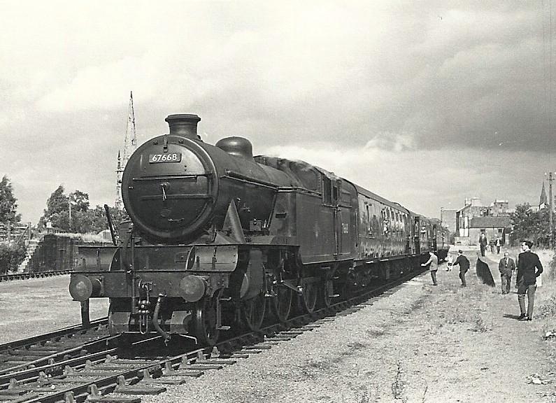 ... British Railways Class V3 67668 - Dalkeith, Scotland | by dwb transport  photos