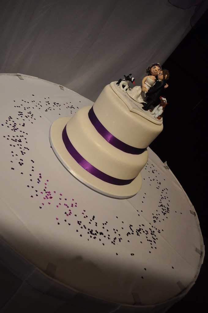 Purple Themed Wedding Cake Was Ordered As A 3 Tier Howeve Flickr