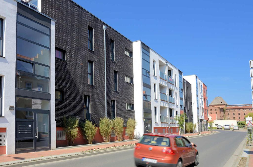 ... 9366 Moderne Architektur / Wohnhäuser Im Reifergang Von Barth   Im  Hintergrund Der Speicher Am Hafen