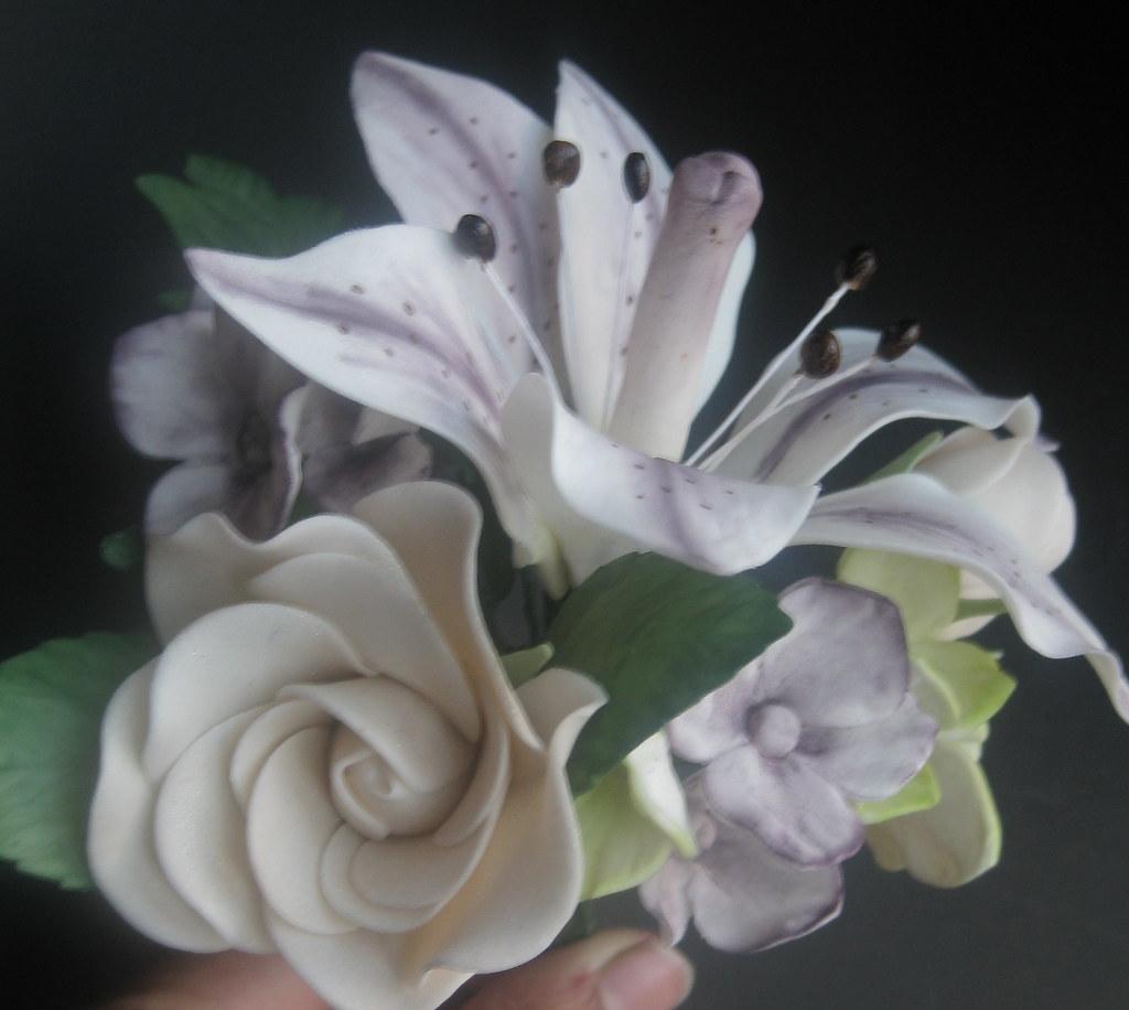 Gumpaste sugar flower bouquet huma flickr gumpaste sugar flower bouquet by cake as canvas izmirmasajfo