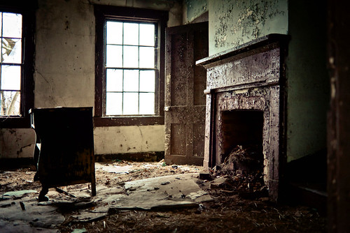 old house living room abandoned house living room house in kentucky flickr 13841