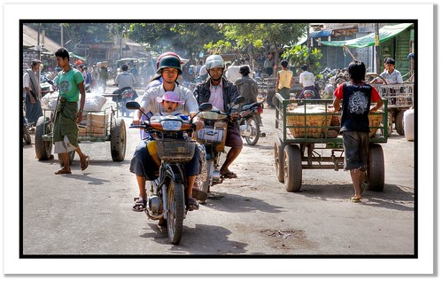 Arriving at Kyaukpadaung | by scrabble.