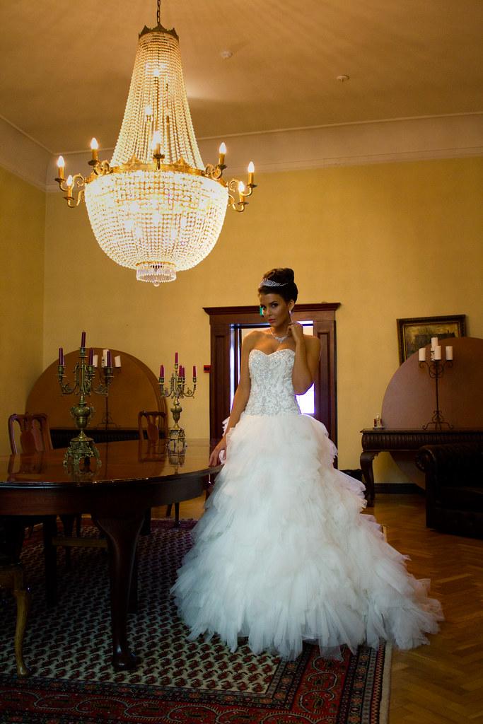 9a1d592a5cde Berømte Lucca Bride