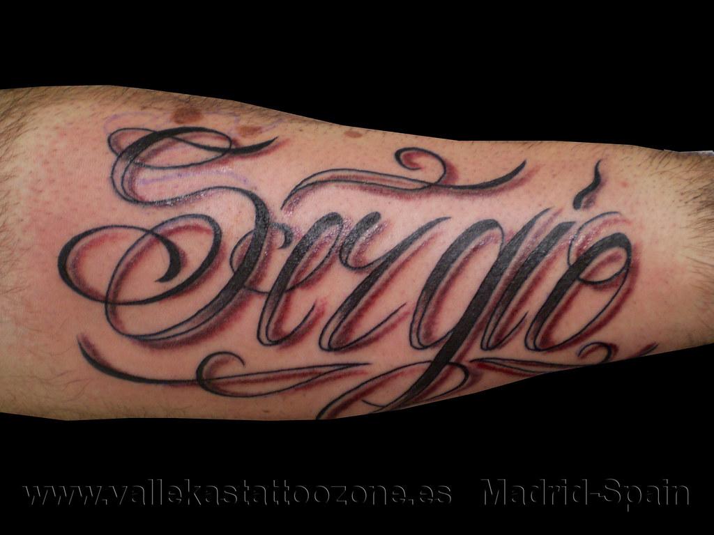 Tatuaje Letras Nombre En El Brazo Vallekas Tattoo Zone Madrid